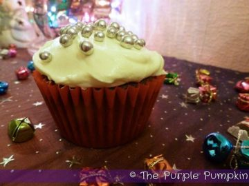spiced-fruit-cupcakes
