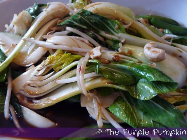 stir-fried-bok-choy-beansprouts-and-cashews