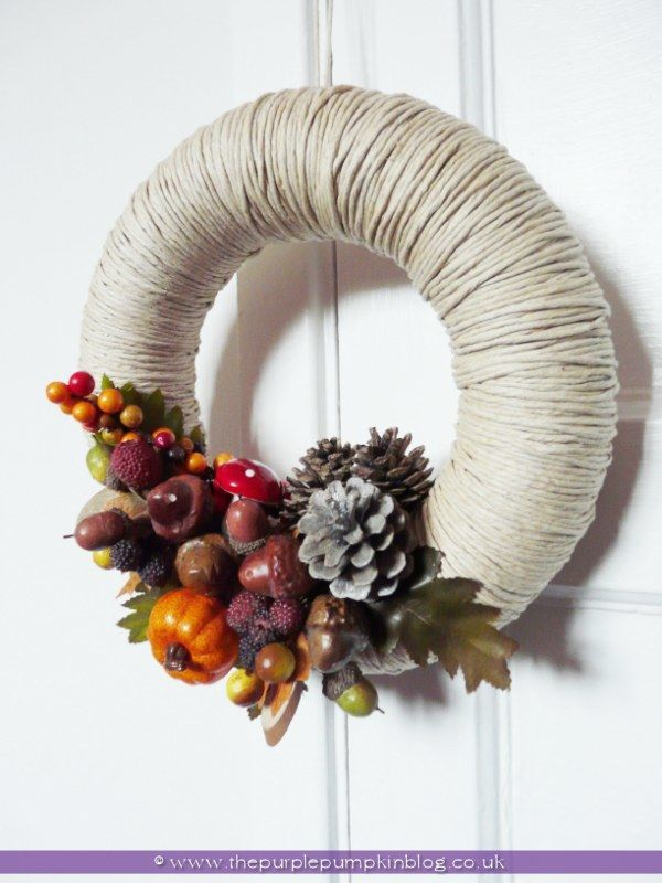 Homemade Autumn/Fall Wreath {Crafty October}