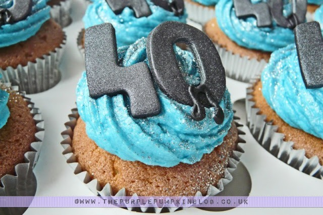 40th Birthday Musical Notes Blue Cupcakes