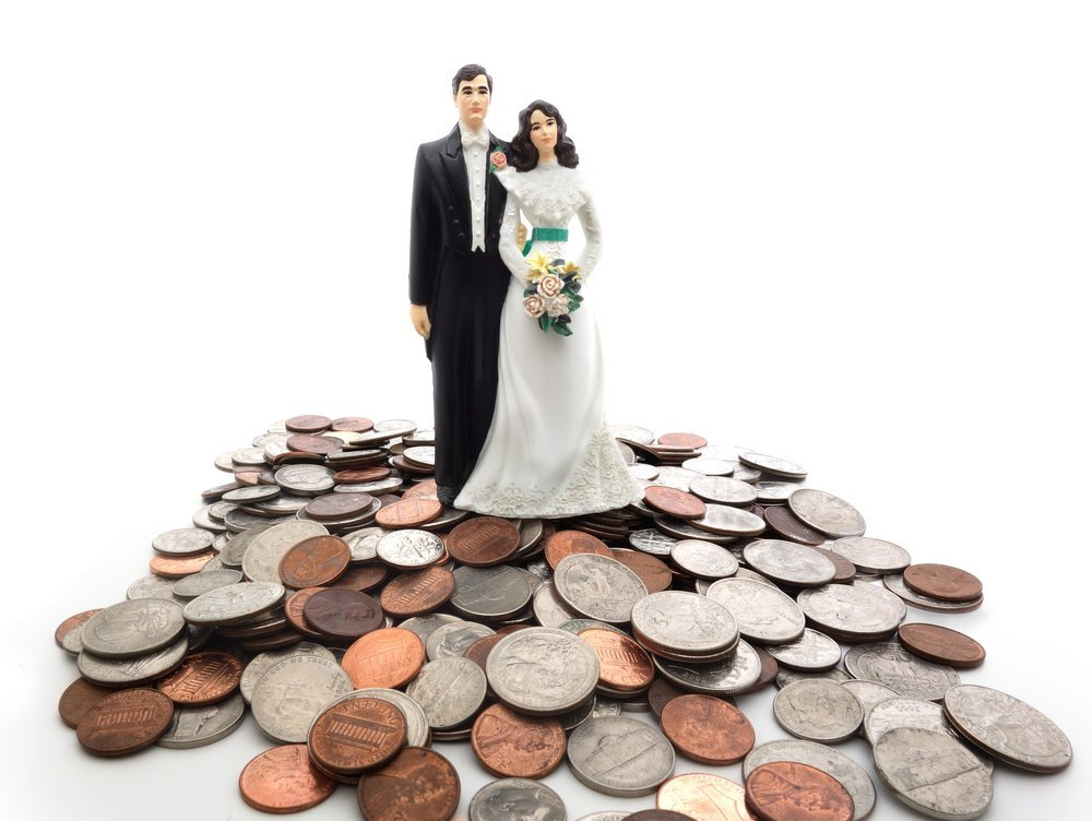 10 Wedding Hacks to Cut Costs on the Big Day