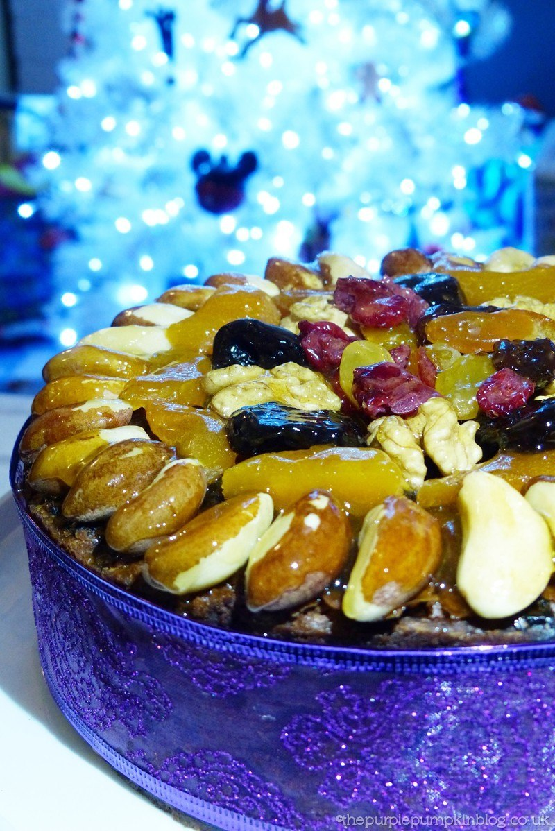 Nuts On Christmas Cake For Decoration : Decorating a Christmas Cake with Dried Fruit and Nuts