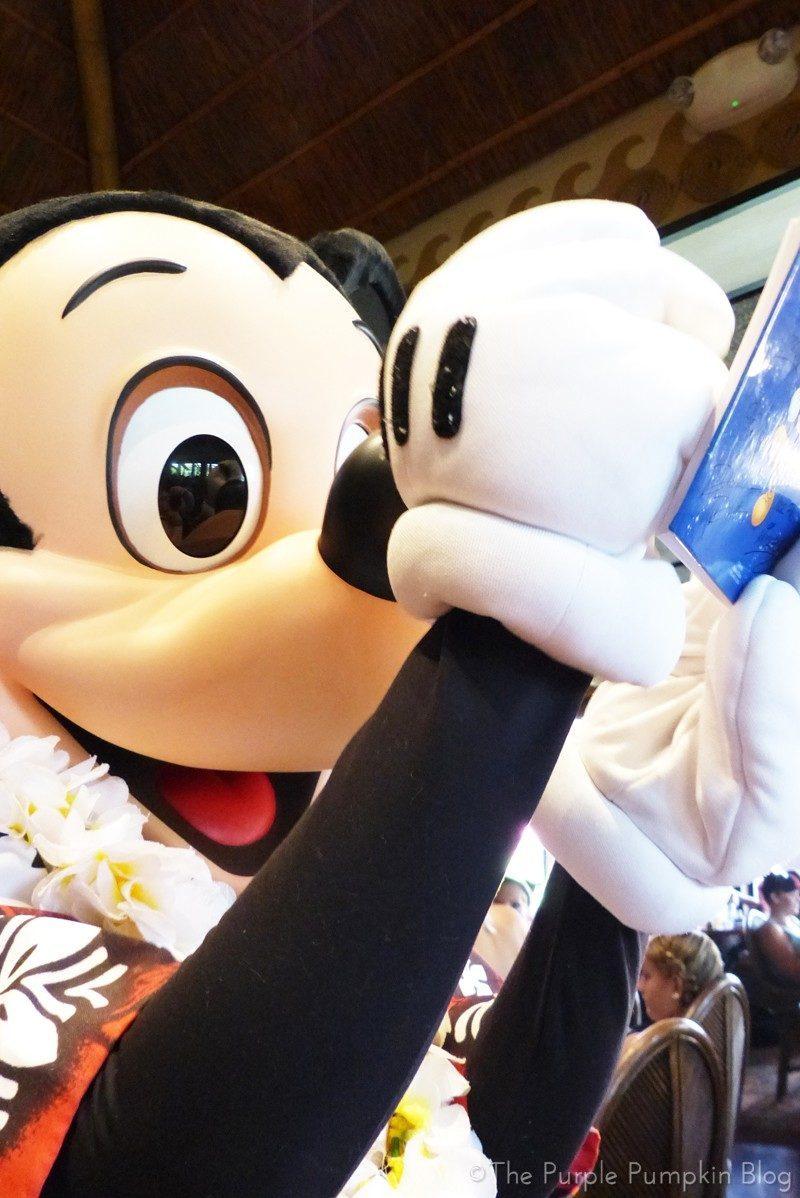Mickey Mouse at'Ohana Character Breakfast