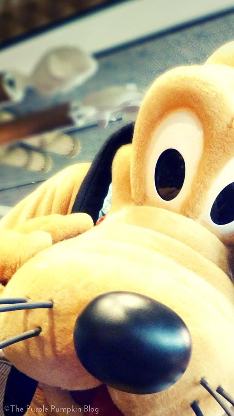 Pluto iPhone Disney Wallpapers