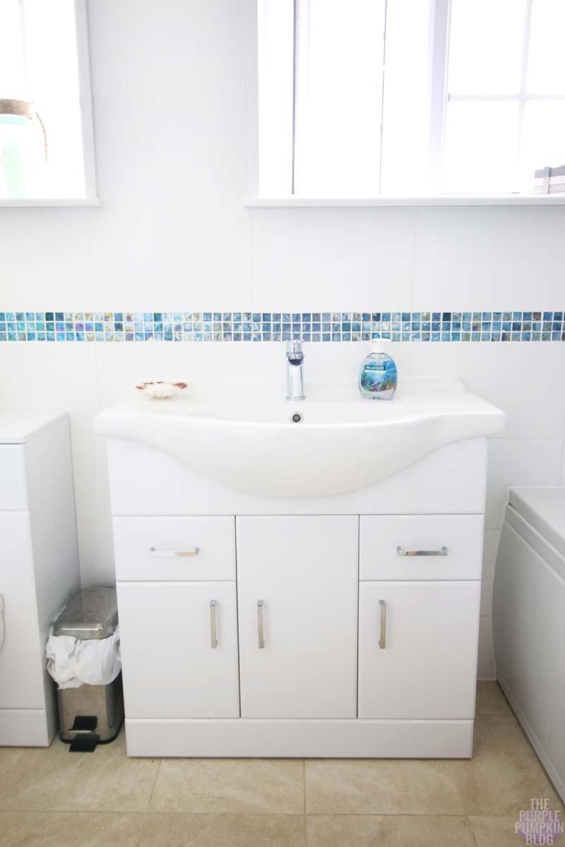 Small Coastal Bathroom Ideas. Beach Themed Bathroom Ideas Beach ...