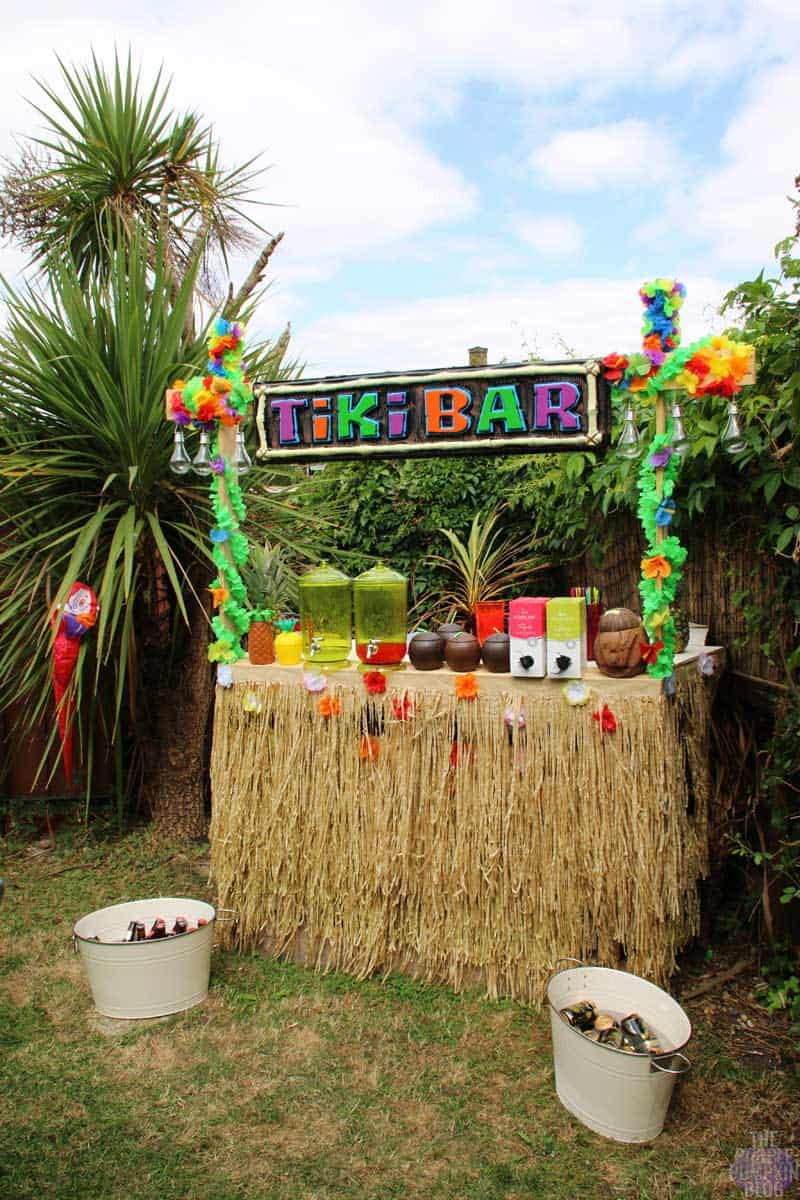 How to build a tiki bar using old pallets part 2 the for Tiki decorations home