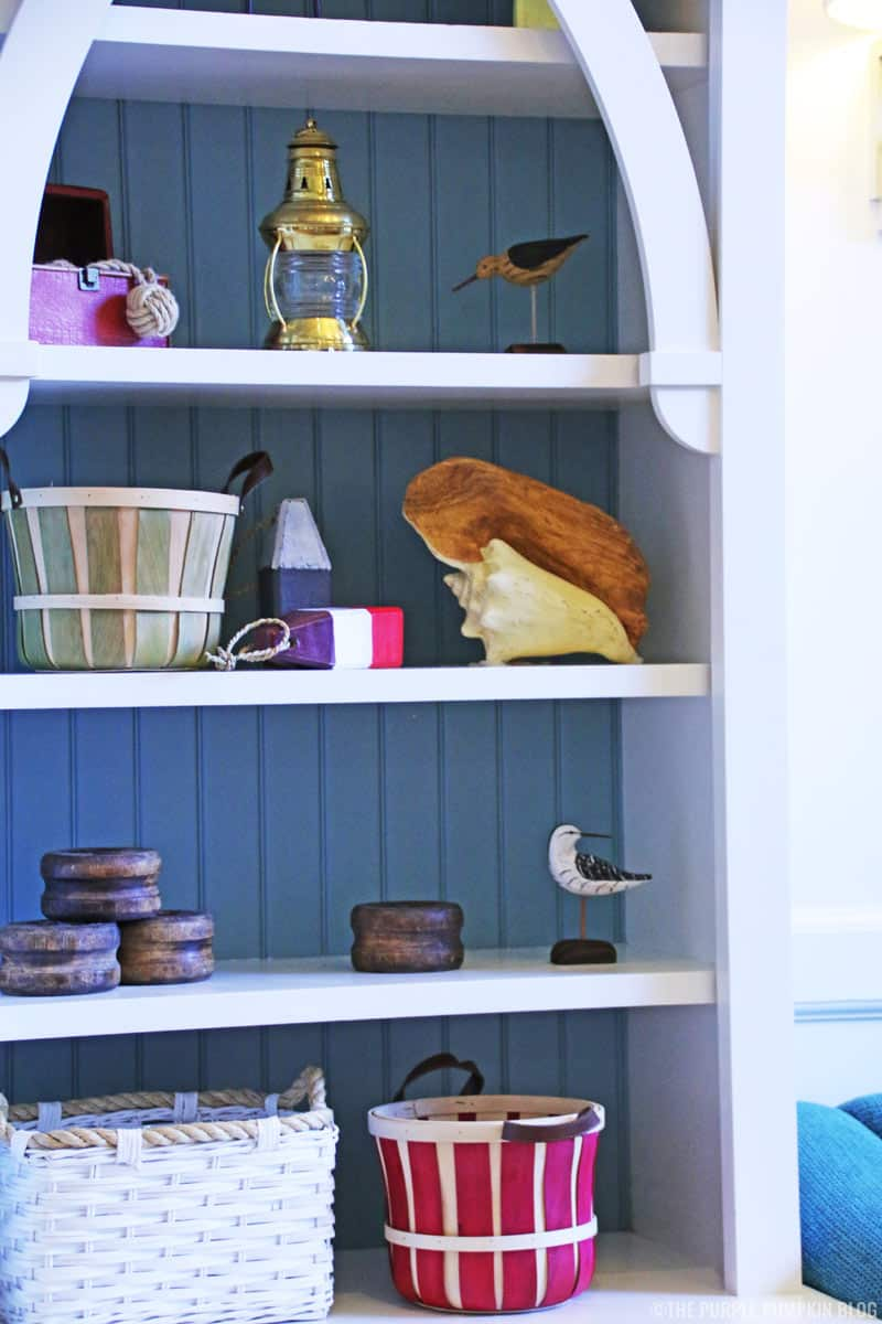 Dresser with seaside and beach decorations and knick-knacks