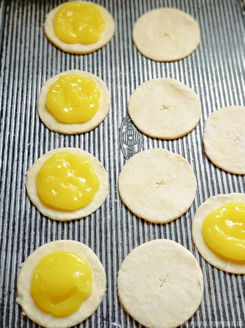 Adding lemon curd to pie crust