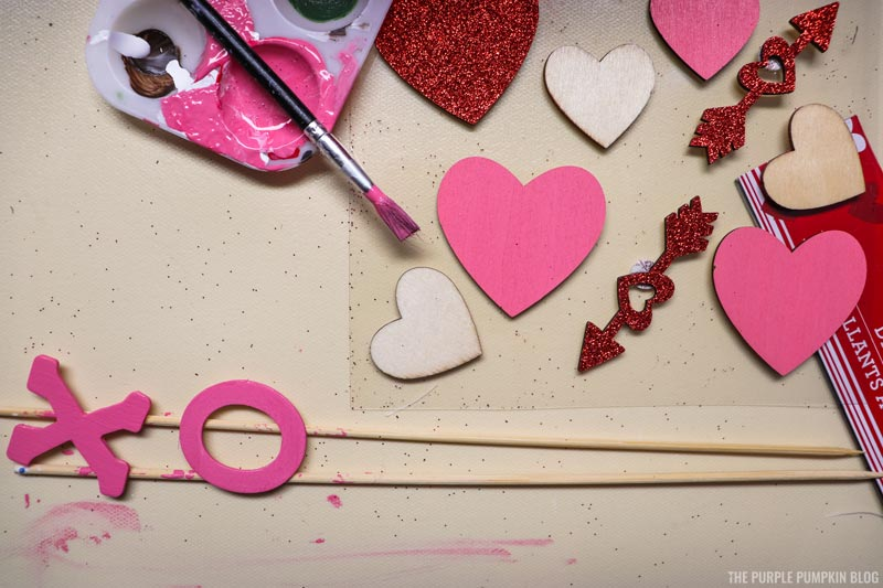 Painting X O and Hearts