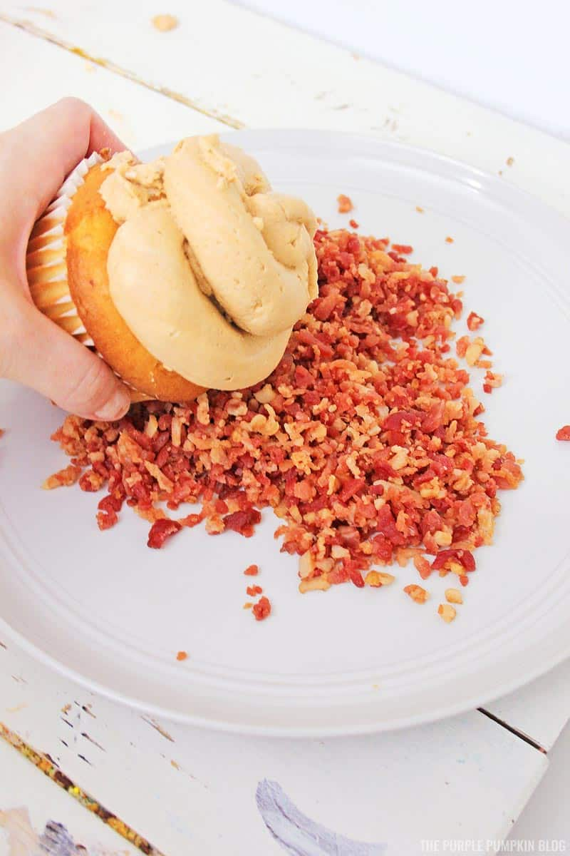 Adding bacon to cupcake frosting