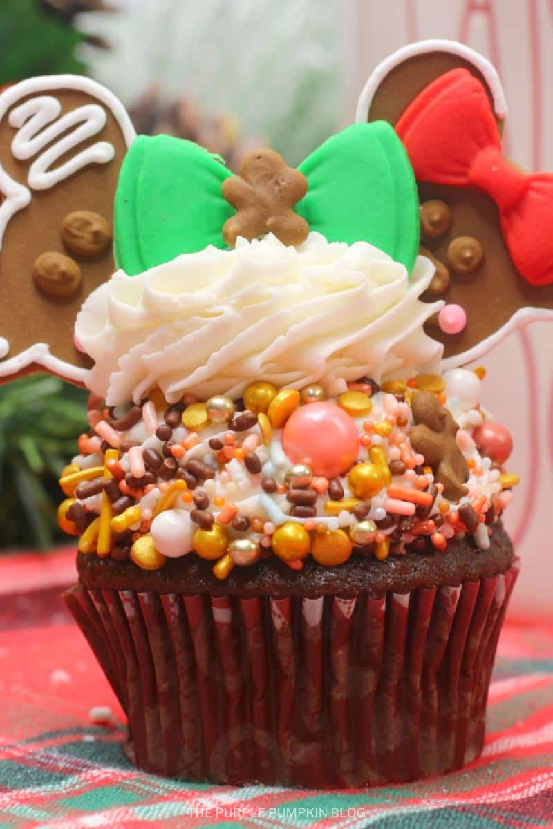 Gingerbread Men Mickey & Minnie Mouse Cupcakes