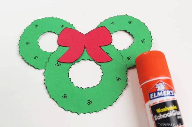 Mickey Mouse Wreath Ornament Construction