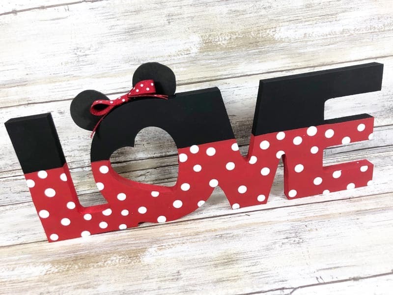 Finished Minnie LOVE Sign